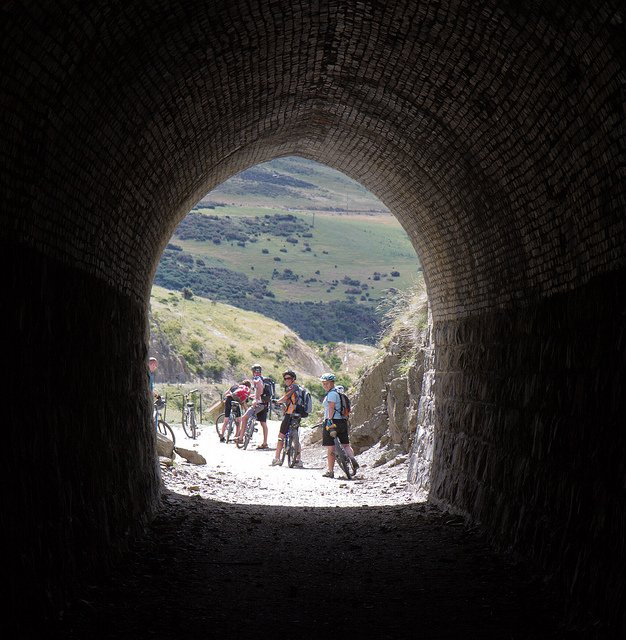 nz cycle trail tunnels